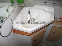 Modifiche interne zona bagno e personalizzazioni camper - Lavandino bagno camper ...