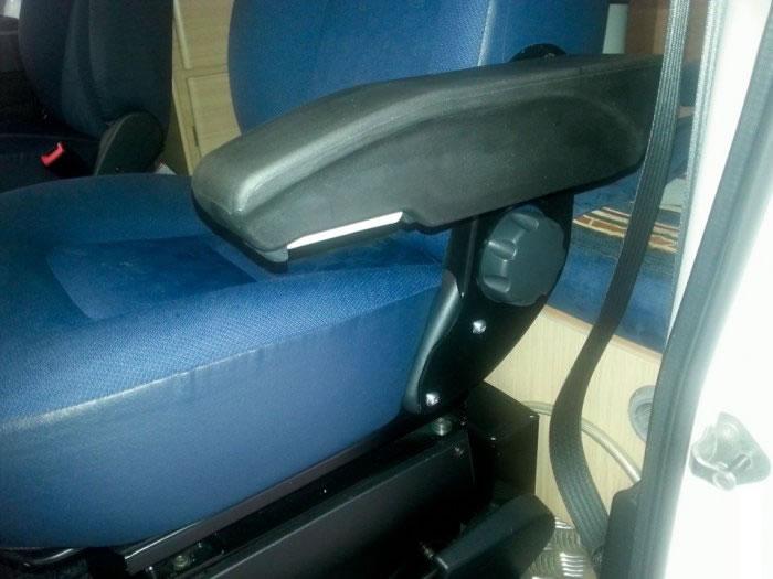 coppia braccioli per sedili cabina fiat ducato x250. Black Bedroom Furniture Sets. Home Design Ideas